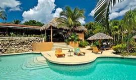Jardin del Eden swimming pool
