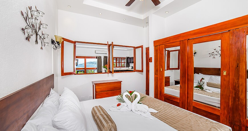 Room with ocean view at Tamarindo Vista Villas