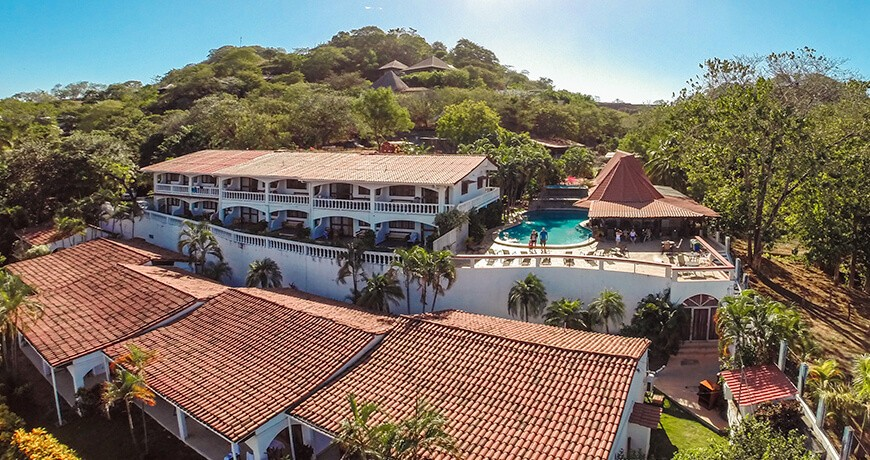 Hotel Tamarindo Vista Villas has an ocean view of the board